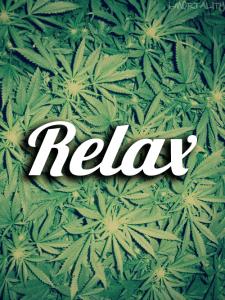 liscie-marihuany-napis-relaks
