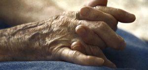 Eksperci domagają się przeprowadzenia większej ilości badań nad stosowaniem medycznej marihuany u osób starszych, GrubyLoL.com