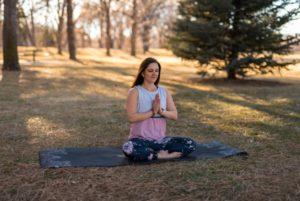 Stosowanie CBD w praktyce jogi, GrubyLoL.com