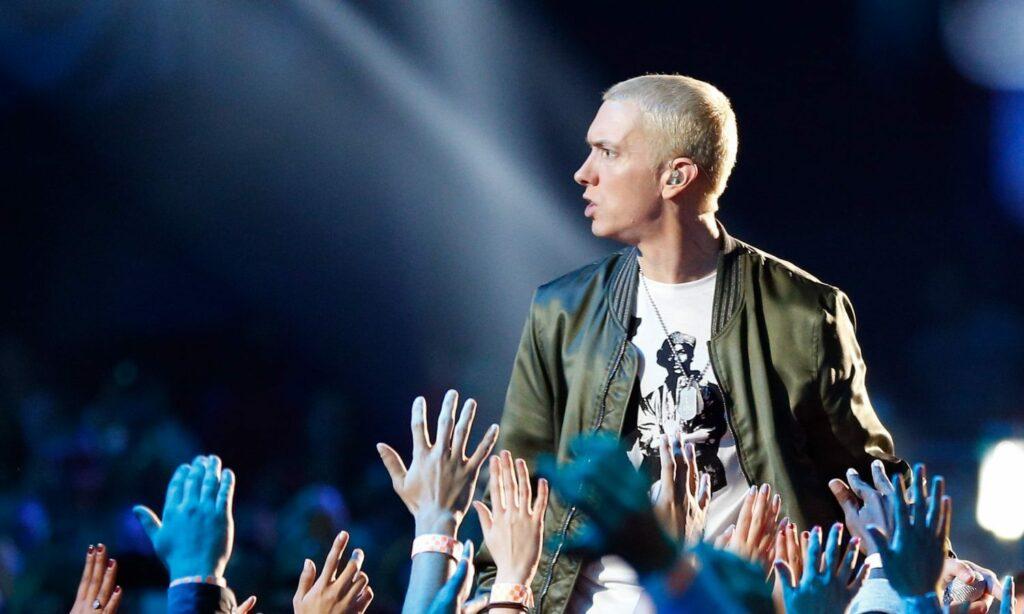 Czy Eminem Pali Marihuanę?, GrubyLoL.com